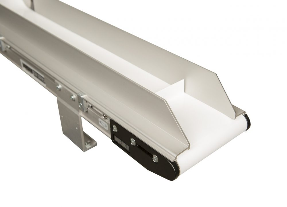 2200 LPZ conveyor with adjustable guiding