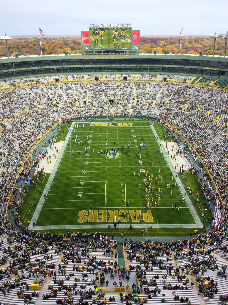 Overview of Green Bay Packers game against Carolina Panthers at Lambeau Field
