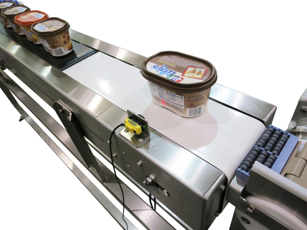 AquaGard 7100 Series Stainless Steel Flexible Chain Conveyor with Pacing Conveyor